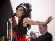 Mais c'est quoi cette musique : Amy Winehouse - Tears dry on their own