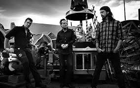 Them Crooked Vultures, supergroupe notamment composé d'un certain John Paul Jones...