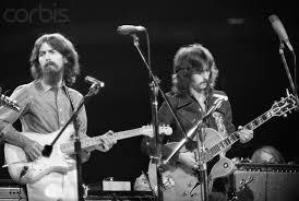Harrison & Clapton : While my Guitar Gently Weeps... Morceau mythique des Beatles, et du rock