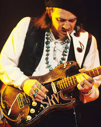 Stevie Ray VAUGHAN, monstre de guitare blues.