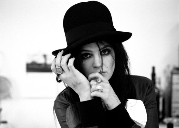 A. MOSSHART, pour DEADWEATHER